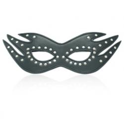 Černá maska s kovovým zdobením