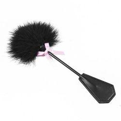 Peříčko s bičíkem Fetish černé 30 cm